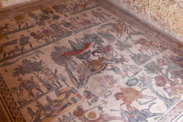 mosaics-banquet-room-villa-romana-del-casale-piazza-armerina